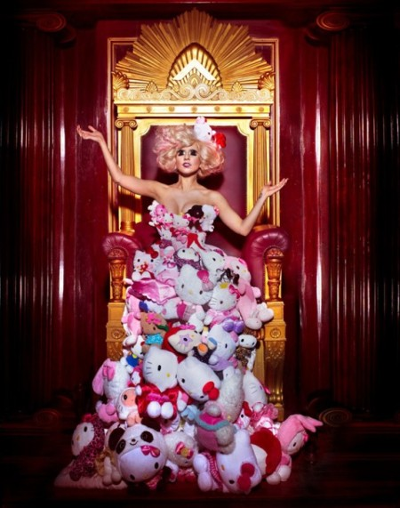 lady-gaga-hello-kitty-shoot-03-570x7241