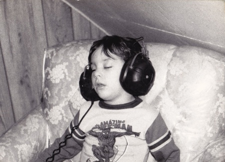 asleep-wth-headphones